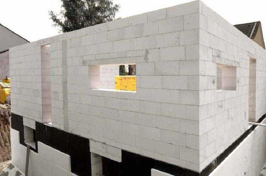 Стена, сложенная из газобетонных блоков