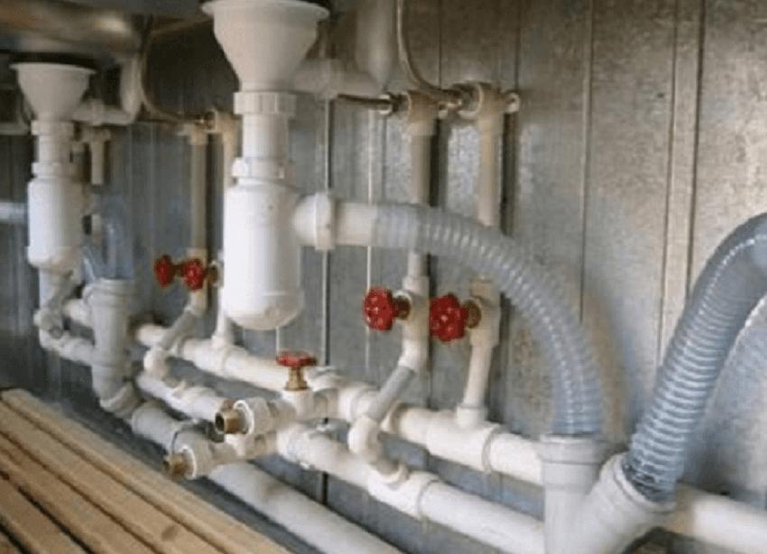Монтаж и разводка канализационных труб