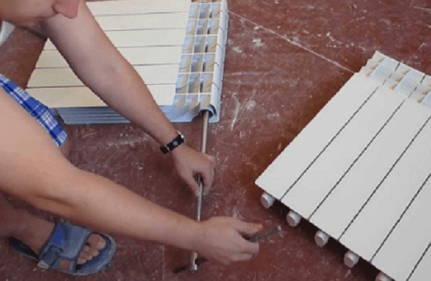 Алюминиевый радиатор - откручивание ниппель-гайки