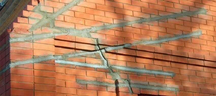 Заделка щелей цементным раствором