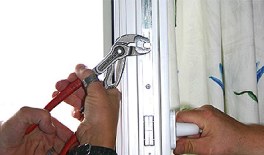 Регулировка прижима окна к раме