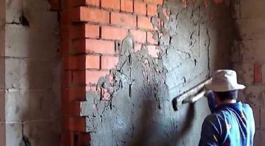 Выравнивание стен штукатуркой без маяков