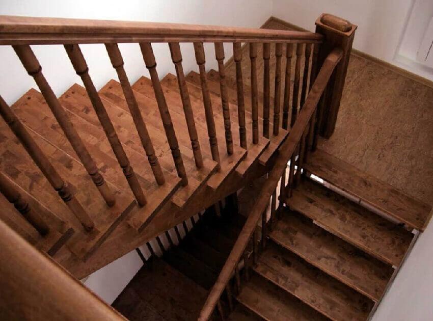 Простая двухмаршевая лестница