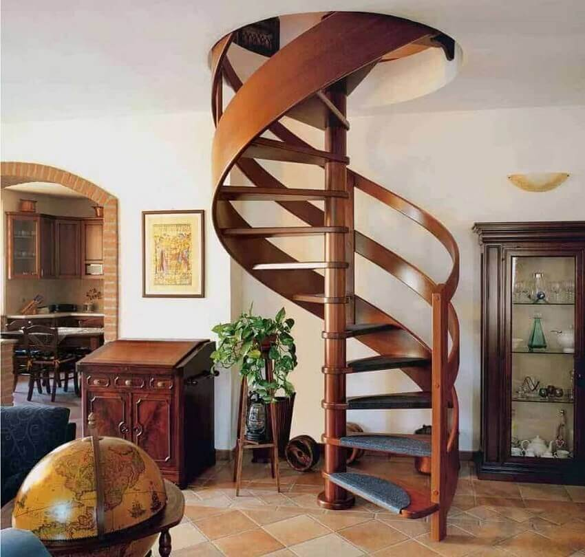 Винтовая лестница, которая экономит пространство