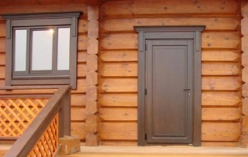 Входная металлическая дверь в деревянном доме: Внешняя отделка двери