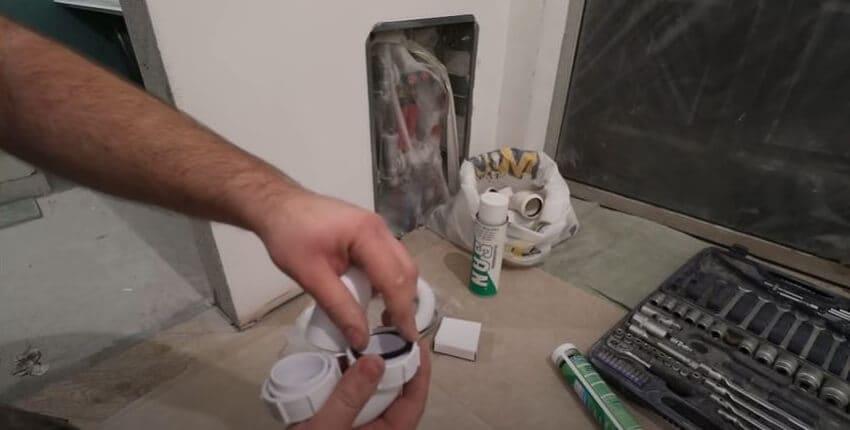 Резиночки вставляются внутрь соединения