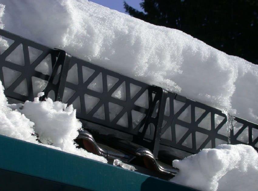 Как установить снегозадержатели на крышу ‒ Решетчатые снегозадержатели